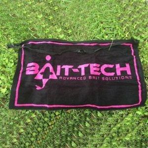 Bait-tech ručník apron towel black and pink