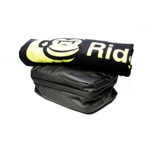 Hygienická Taška RidgeMonkey LX Bath Towel and Weatherproof Shower Caddy Set